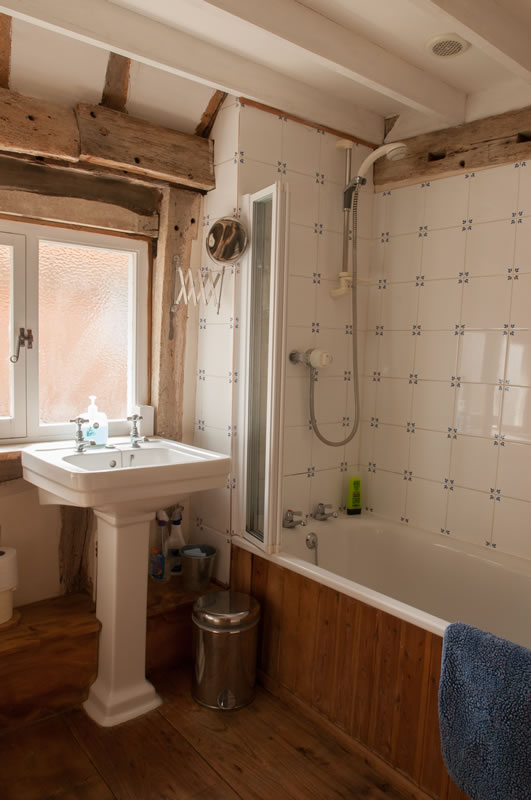 leman cottage bathroom