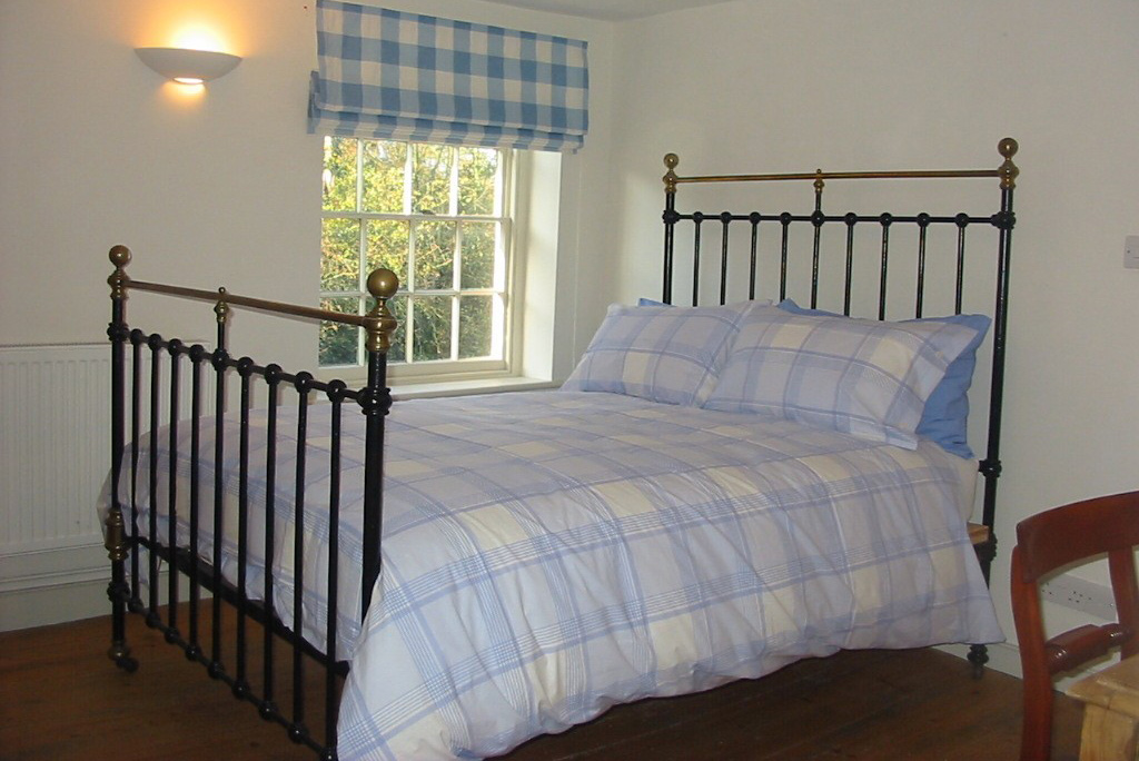 Beautiful double bedroom at September cottage
