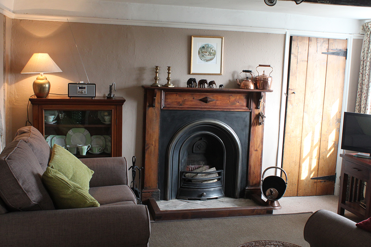 cosy country cottage sitting room at 9 the hill