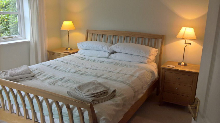 Little Furrows holiday Cottage double bedroom
