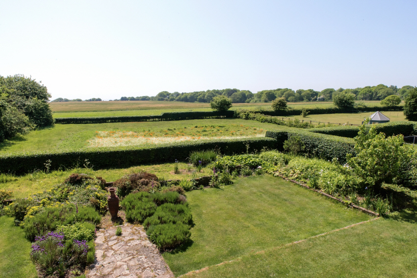 MAYHOUSE balcony  view to garden and sea