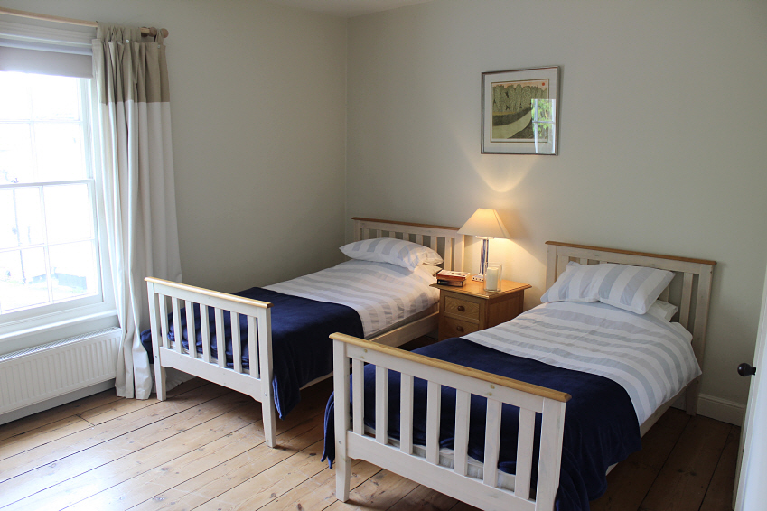 Cosy twin bedroom at Southwold cottage