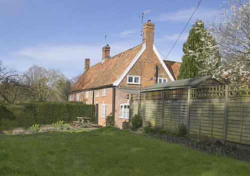 Eve's Cottage, Theberton, ideal for walking holidays.