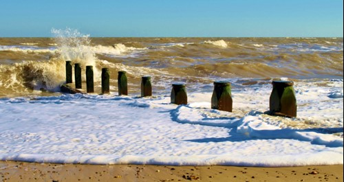 Breaking waves at Southwold